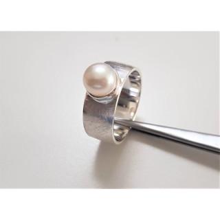 Plain-Silberring - mit Perle - Gebürstet mit Süßwasser Perle - RP7638